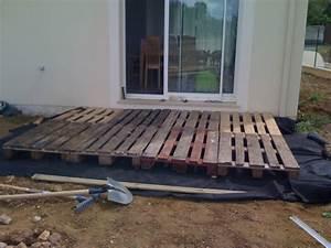 Terrasse Avec Palette : tournevis terasse en bois sur palettes ~ Melissatoandfro.com Idées de Décoration