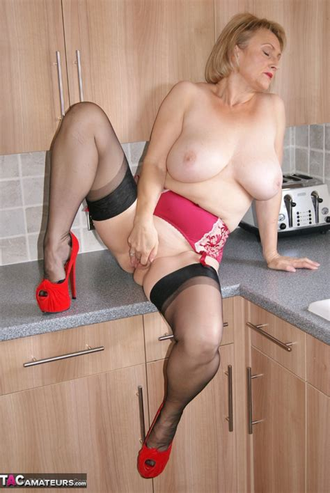 Sugarbabe In The Kitchen Pictures