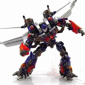 TFW Revoltech Jetwing Optimus Prime Gallery - Transformers ...