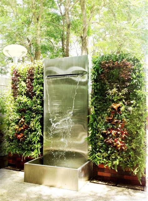 ม่านน้ำตกและกำแพงสวนแนวตั้งสำเร็จรูป ขนาดกว้าง 3 เมตร สูง ...