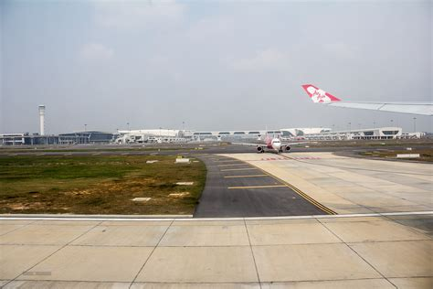 airasia  places firm order   aneo economy traveller