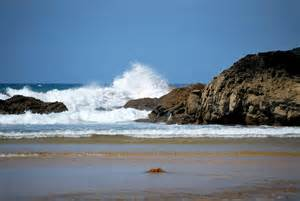 Poldhu Beach at low tide - Cornwall Guide Photos