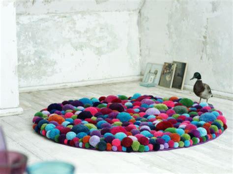 design teppiche designer teppiche aus bommeln der berliner designerin myra klose