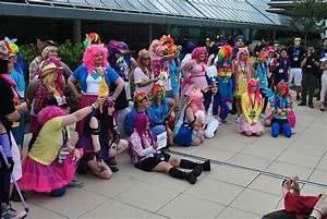File:Bronycon 2014 cosplay contest.jpg - Wikimedia Commons