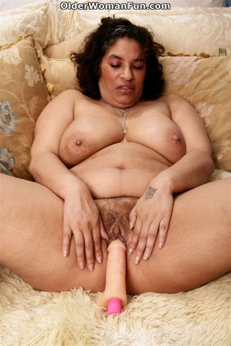 52 Year Old Bbw Granny Fannie Works Her Old Pussy With A