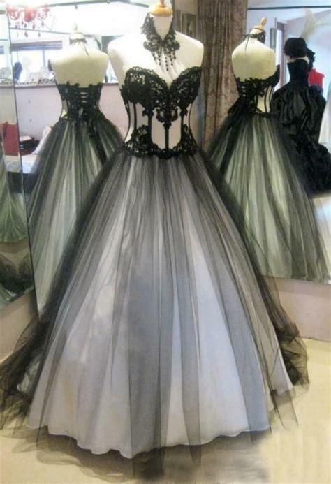 Vintage Black White Gothic Wedding Dresses Appliqued Lace
