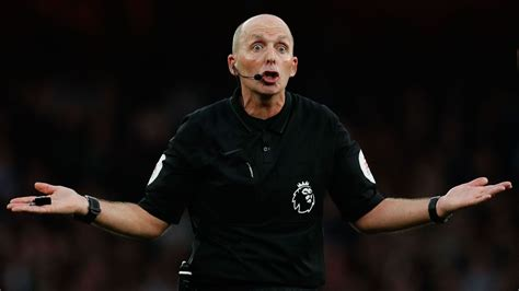 mike dean removed  fourth official  tottenham