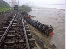 Amanzimtoti train plunges into river [Photo]