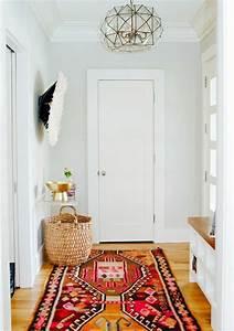 1001 idees pour un hall d39entree maison les elements a With tapis de couloir avec canapé convertible style romantique