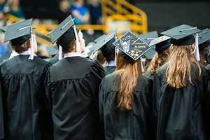 UI students receive degrees after 2014 fall session | Iowa Now