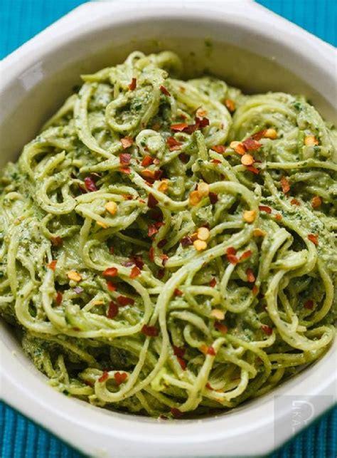 cuisiner courgette spaghetti les 25 meilleures images du tableau spiralizer recipes sur