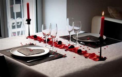 d馗oration des plats en cuisine deco valentin table