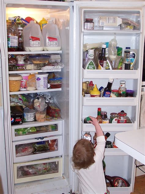 Is Your Refridgerator Cluttered Move The Mess