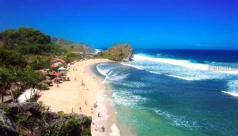 pesona keindahan pantai indrayanti katalog tempat wisata