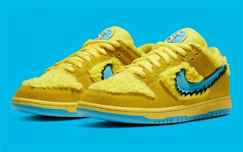 grateful dead nike sb dunk opti yellow cj