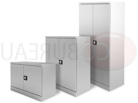 armoire bureau fermant à clé armoire métallique basse à portes battantes