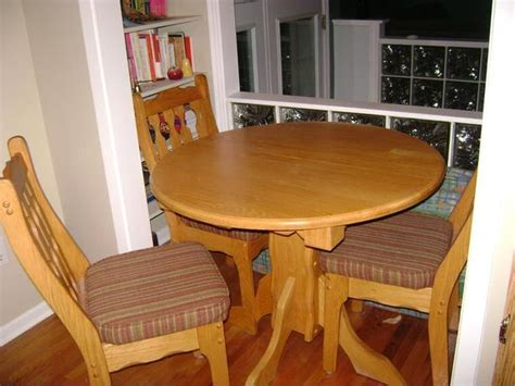 Round Oak Kitchen Table And Four Chairs Gatineau Sector