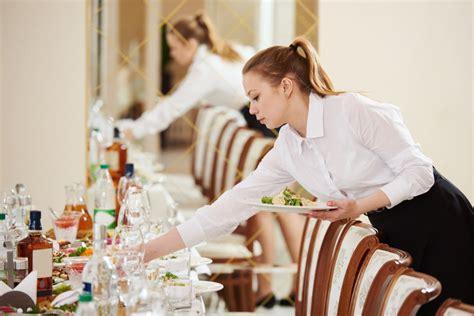 quanto guadagna un cameriere quanto guadagna una cameriera di sala assoapi formazione
