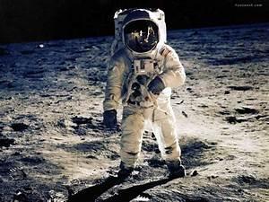 Astronauts Wallpapers - Funtoosh.com