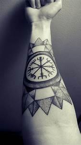 Symbole Für Unglück : unterarm tattoo ideen mann keltische zeichen tattoos pinterest tattoo ideen m nner ~ Bigdaddyawards.com Haus und Dekorationen