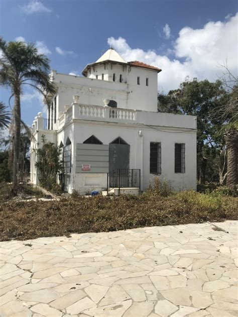 Abandoned Vacation House In My Hometown Built Circa By Wealthy Immigrants From Germany Who Used