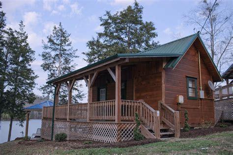 Cabin 11  Mitchell Creek Marina