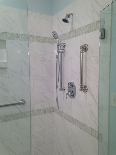 daltile florentine fl06 carrara 10x14 with glass accent