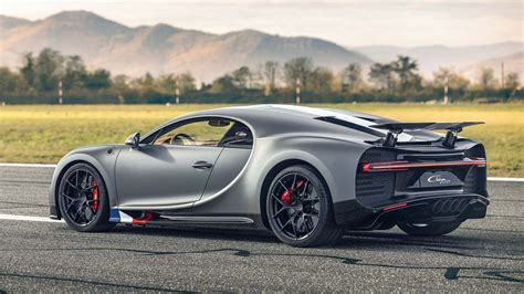 """The company released a red, white and blue painted chiron sport in tribute. The Bugatti Chiron Sport """"Les Légendes du Ciel"""" is a fighter-jet tribute for the road - AutoBuzz.my"""