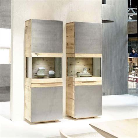 cuisine style usine meuble colonne contemporain avec vitrine en chêne ou en noyer