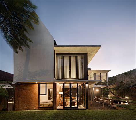 tropical house konsep design rumah tropis  indonesia