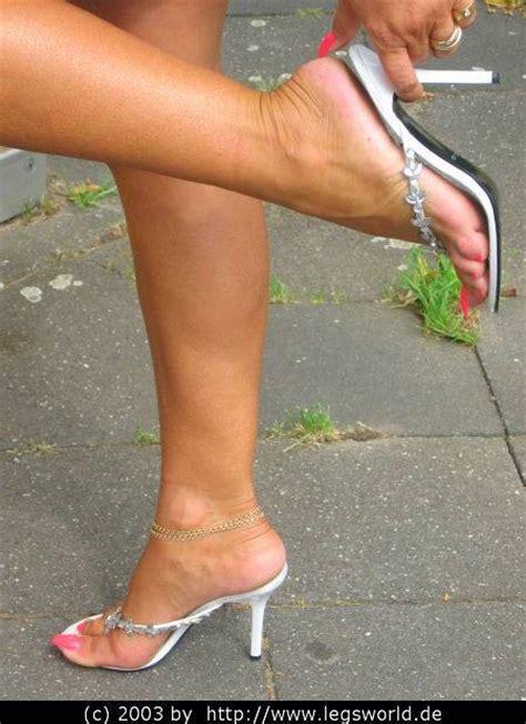 Fetish Lady Barbara Sexy Feet In Sexy Sandals High