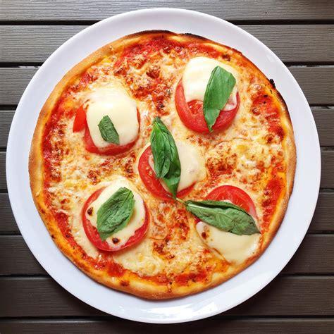cuisiner le maigre au four livraison de pizzas à rennes livraison de pizzas notre
