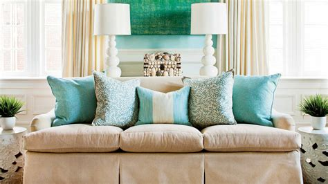 arrange sofa pillows   decorate  room southern