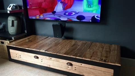 fabriquer bureau en palette meuble télé lack industrialisé bidouilles ikea