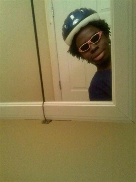 Black Guy With Glasses Meme - i have a meme on twitter quot when you pass by a mirror at a party and you re trashed http t co