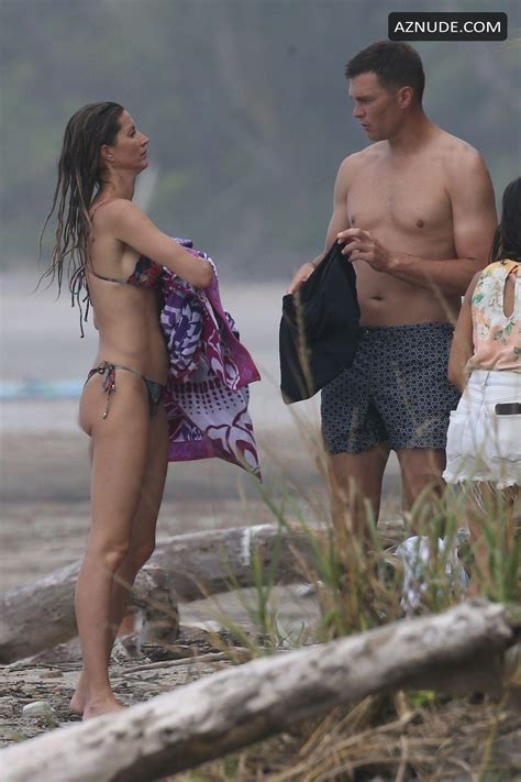 Gisele Bundchen Sexy During Her Costa Rican Vacation With