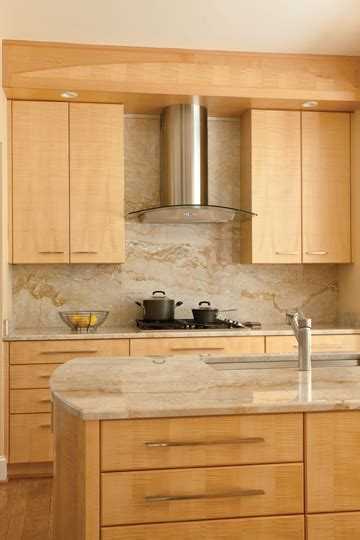 maple kitchen cabinets with quartz countertops vallon paired tiger 39 s eye maple cabinets with marble like