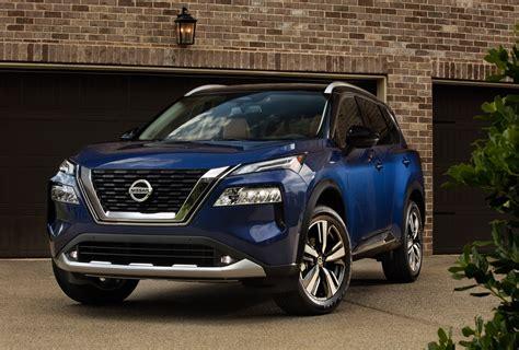 Read our review of the facelifted version. Nuevas imágenes del renovado Nissan X-Trail 2021 - Deagencia
