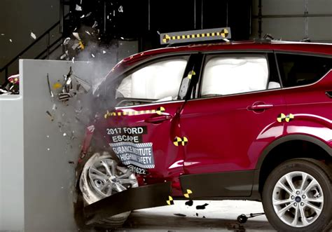 Crash Fatalities Up; Alpina B7, Opel Electric Car What's