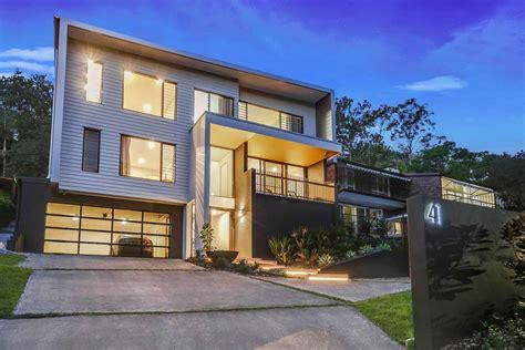 stunning split level homes  sloping blocks qld civic