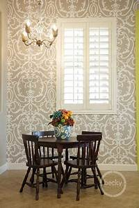 Charming Dining Room Wallpaper Accent Wall Ideas