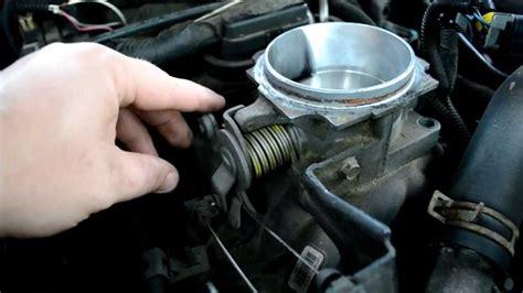 tutorial   clean vortec throttle body  chevy gmc