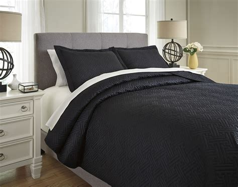 Black Coverlet by Aldis Black Coverlet Set By Signature Design By
