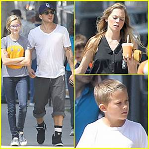 Ryan Phillippe & Paulina Slagter: Food Truck Lunch with ...