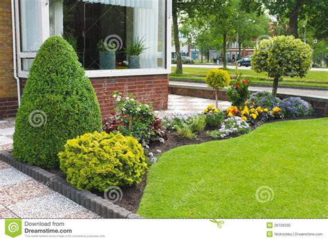 Prãªter Jardin by Small Garden In Front Of The Dutch House Stock Photo