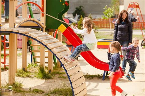 outside play for preschoolers how to find a great preschool 10 signs of a great preschool 205