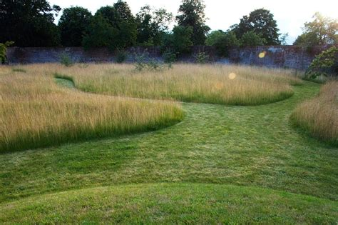 dan pearson gardens private garden oxfordshire dan pearson studio don t mind the look mowed paths still show