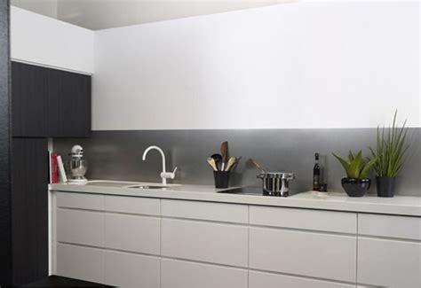 credence cuisine plexiglas credence plexiglas cuisine nouveaux modèles de maison