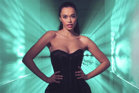 Singer signed at 8ball music tv host at avrotros leading role in musical the bodyguard positive vibes only! 'Romy Monteiro viert vakantie met nieuwe liefde' | Show | AD.nl