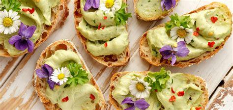 cuisine des fleurs les fleurs comestibles des couleurs et des saveurs dans